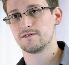 Edward Snowden. Foto: CC-BY-SA Laura Poitras / Praxis Films - Screenshot of the film Prism by Praxis Films